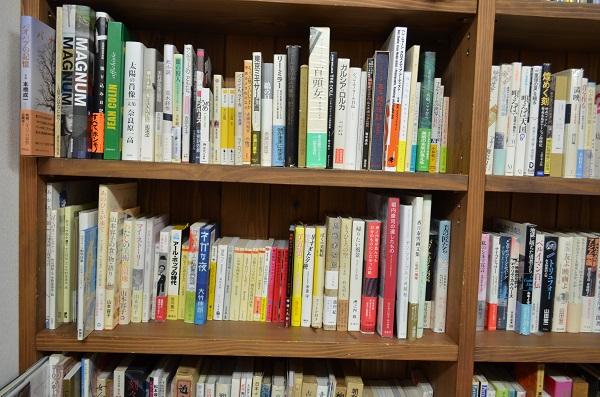 レティシア書房 本棚